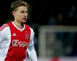 Barcelona Close to Ajax Wonderkid Defender