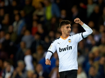 Ferran Torres leaves Valencia with questions over attitude