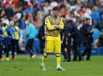 Iker Casillas calls time on legendary football career